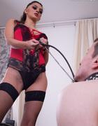 Hirsute pussy dominatrix