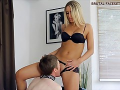 Blond vixen with mouthwatering body makes sub slurp her tasty natural juice