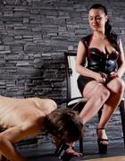 Curvy Mistress, skinny slave, pic #2